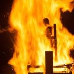 Fiesta de las candelas, tradicional quema del Marimanta, muñeco que representa a Jordi Pujol y Artur Mas. Oto