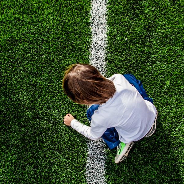 Oto. Alumnos del colegio Salesianos disfrutan de nuevo campo de futbol.