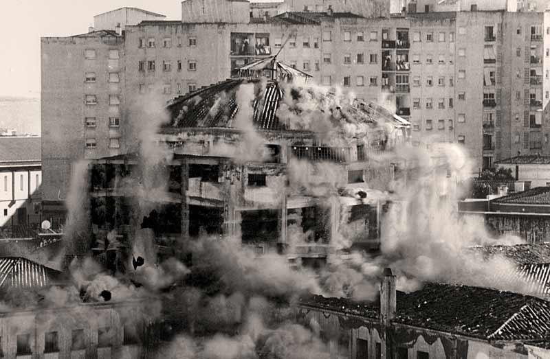 MEIAC-explosionando